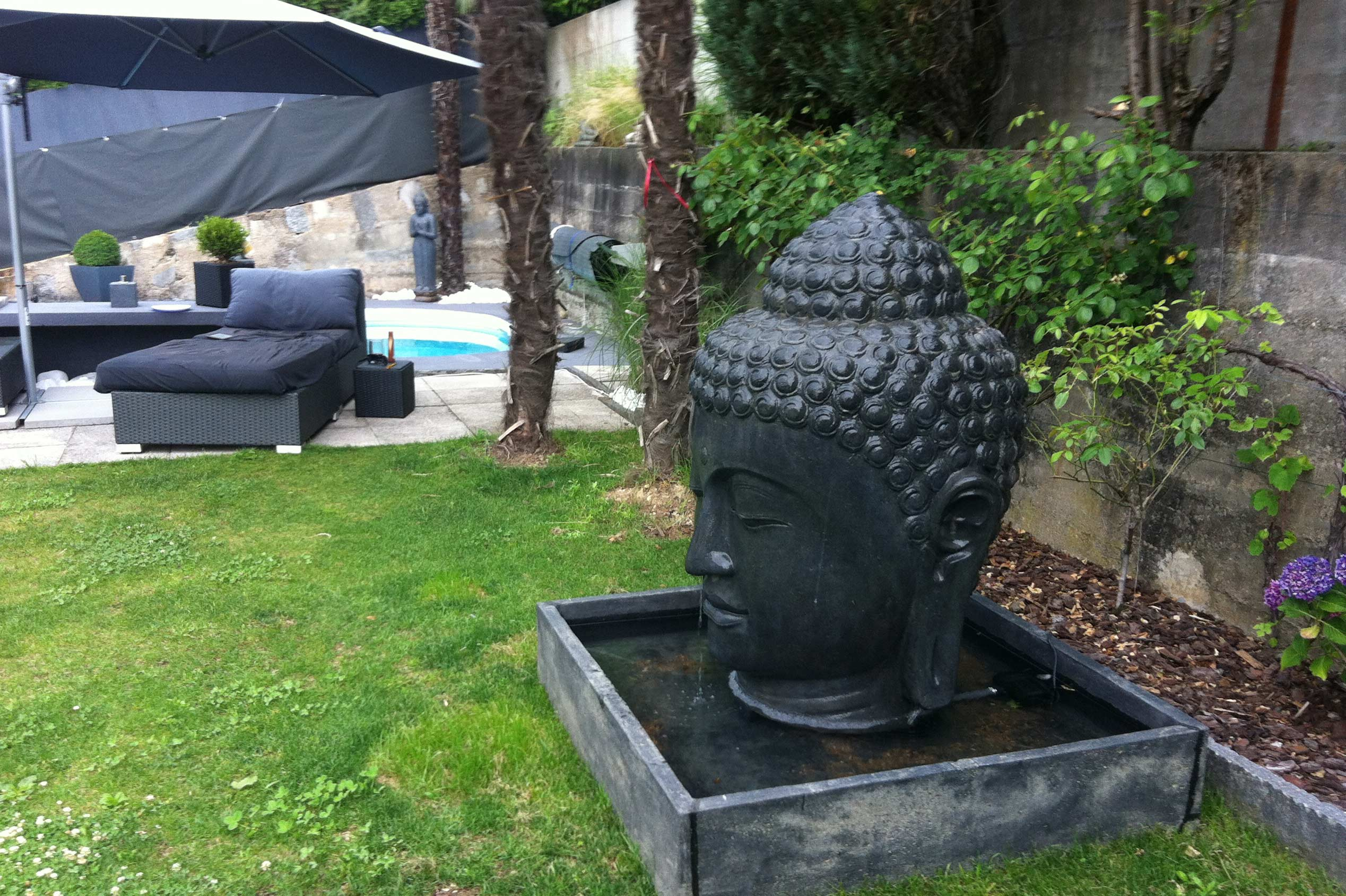 buddha brunnen bali buddha. Black Bedroom Furniture Sets. Home Design Ideas