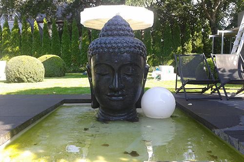 buddha statue f r den garten kaufen. Black Bedroom Furniture Sets. Home Design Ideas