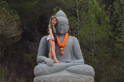 Große Buddha Figur