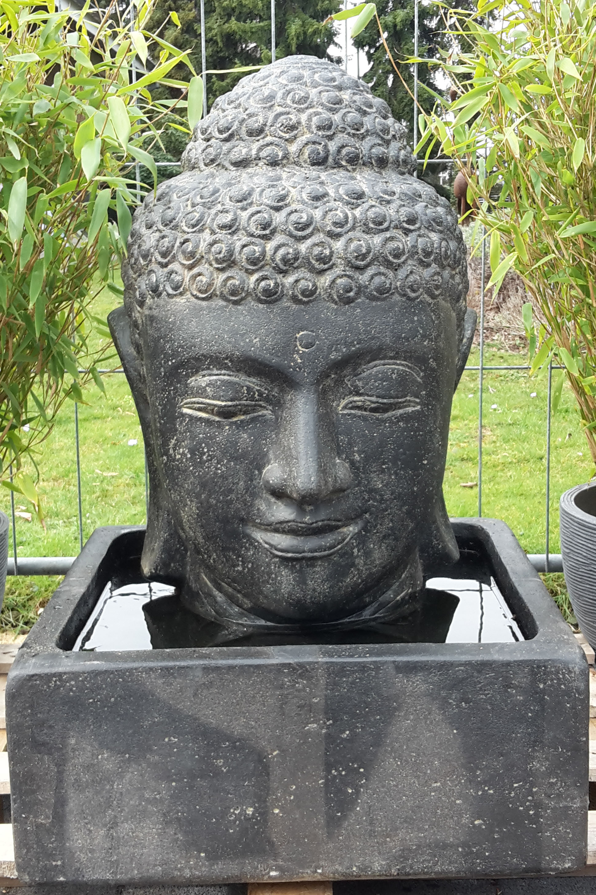buddha figur f r ihren garten liefert bali buddha. Black Bedroom Furniture Sets. Home Design Ideas