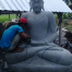 Riverstone Buddha 200cm im Lotusgewand